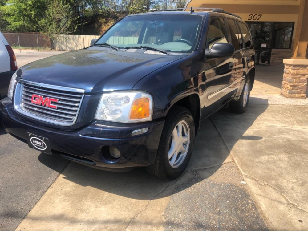 2007 GMC Envoy SLE-1 2WD (1GKDS13S272) with an 4.2L L6 DOHC 24V engine, 4-Speed Automatic Overdrive transmission, located at 307 West Marshall Avenue, Longview, TX, 75601, (903) 753-3091, 32.500828, -94.742577 - Photo #0